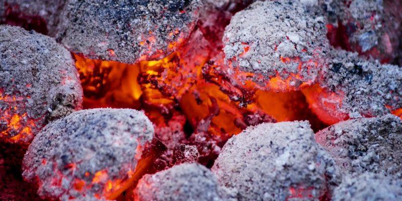 Pourquoi choisir un barbecue charbon de bois